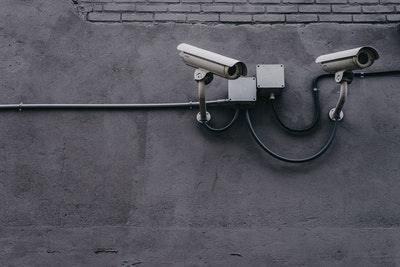 Videoovervåking av partner.